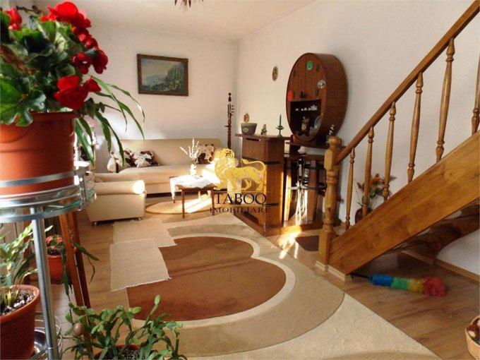 Casa de vanzare direct de la agentie imobiliara, in Sibiu, zona Orasul de Jos, cu 89.000 euro. 3 grupuri sanitare, suprafata utila 96 mp. Are  3 camere.
