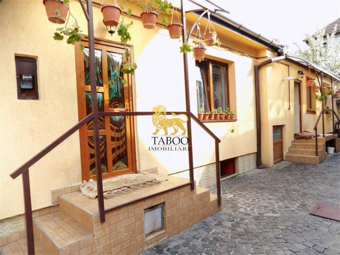 vanzare Casa Sibiu Trei Stejari cu 3 camere, 1 grup sanitar, avand suprafata utila 120 mp. Pret: 114.000 euro. agentie imobiliara vand Casa.