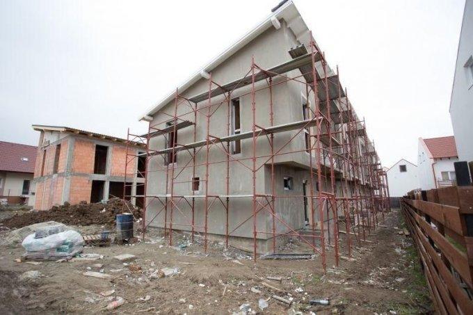 vanzare Casa Sibiu cu 3 camere, cu suprafata utila de 95 mp, 2 grupuri sanitare, 2  balcoane. 58.000 euro.. Casa vanzare Calea Cisnadiei Sibiu