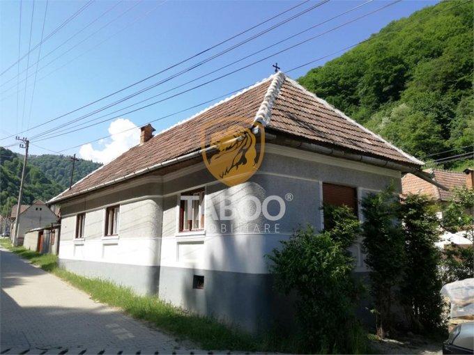 vanzare Casa Tilisca cu 3 camere, 1 grup sanitar, avand suprafata utila 100 mp. Pret: 38.000 euro. agentie imobiliara vand Casa.