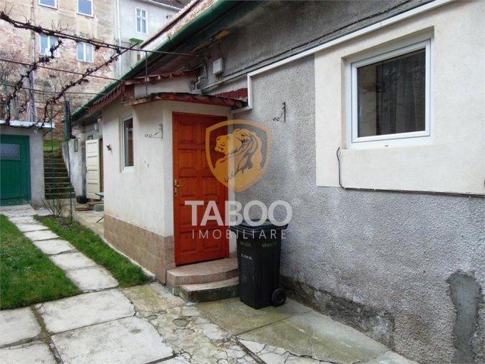 vanzare Casa Sibiu cu 3 camere, 2 grupuri sanitare, avand suprafata utila 88 mp. Pret: 175.000 euro. agentie imobiliara vand Casa.
