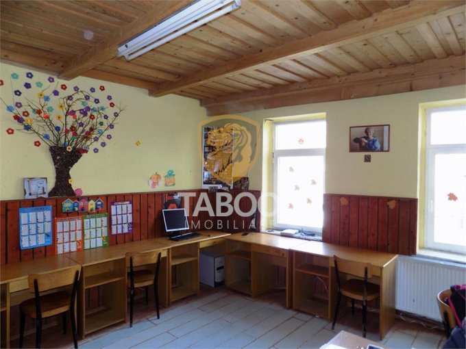 vanzare Casa Sibiu cu 3 camere, cu suprafata utila de 110 mp, 1 grup sanitar. 83.000 euro.. Casa vanzare Gusterita Sibiu