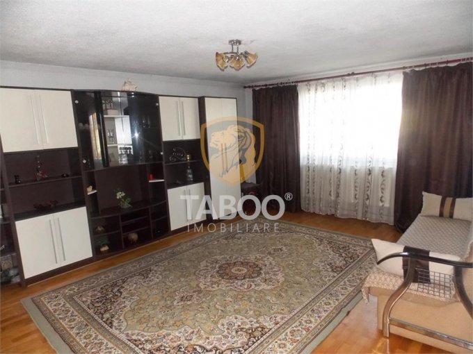 Casa de inchiriat direct de la agentie imobiliara, in Sibiu, cu 350 euro. 1 grup sanitar, suprafata utila 193 mp. Are  3 camere.