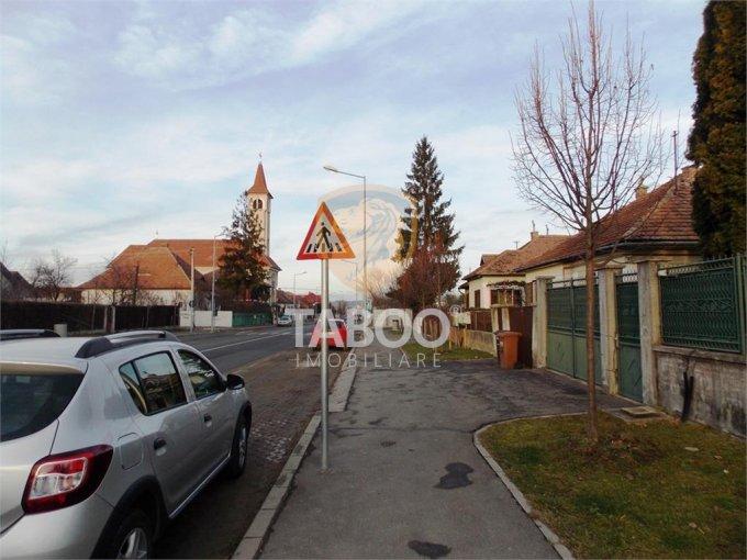 vanzare Casa Sibiu Calea Poplacii cu 3 camere, 2 grupuri sanitare, avand suprafata utila 140 mp. Pret: 149.000 euro. agentie imobiliara vand Casa.