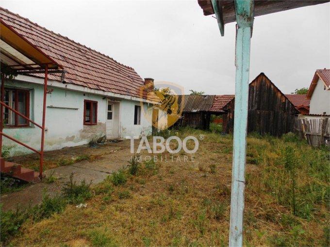 Casa de vanzare direct de la agentie imobiliara, in Cristian, cu 37.000 euro. 1 grup sanitar, suprafata utila 60 mp. Are  3 camere.