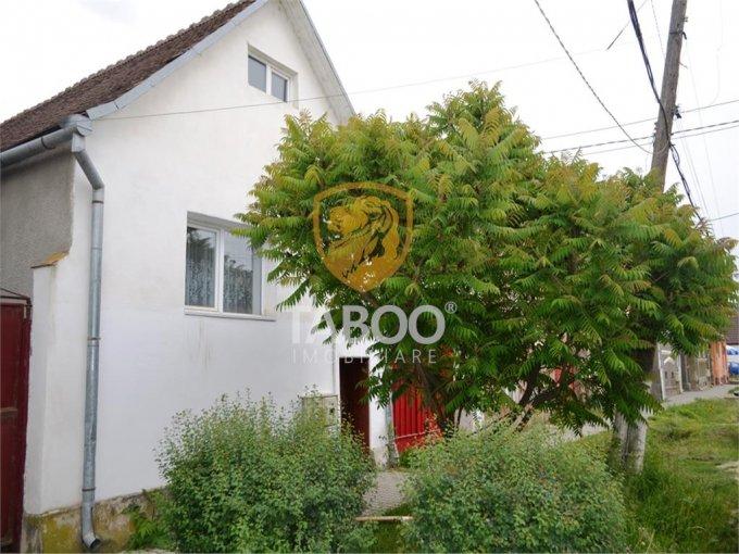 Casa de vanzare direct de la agentie imobiliara, in Cornatel, cu 40.000 euro. 1 grup sanitar, suprafata utila 80 mp. Are  3 camere.