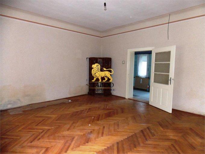 vanzare Casa Sibiu cu 4 camere, cu suprafata utila de 145 mp, 2 grupuri sanitare. 139.900 euro.. Casa vanzare Terezian Sibiu