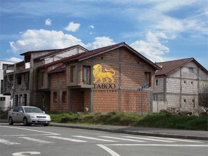Sibiu casa cu 4 camere, 3 grupuri sanitare, cu suprafata utila de 132 mp, suprafata teren 264 mp si deschidere de 13 metri. In orasul Sibiu.