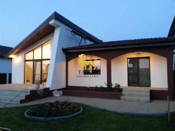 Casa de vanzare direct de la agentie imobiliara, in Sibiu, zona Selimbar, cu 95.000 euro. 2 grupuri sanitare, suprafata utila 120 mp. Are  4 camere.