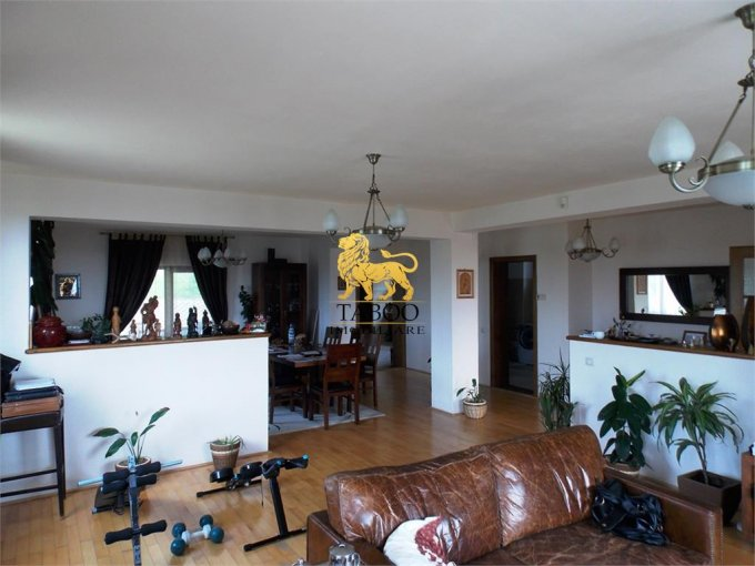 vanzare Casa Daia cu 4 camere, 2 grupuri sanitare, avand suprafata utila 250 mp. Pret: 175.000 euro. agentie imobiliara vand Casa.