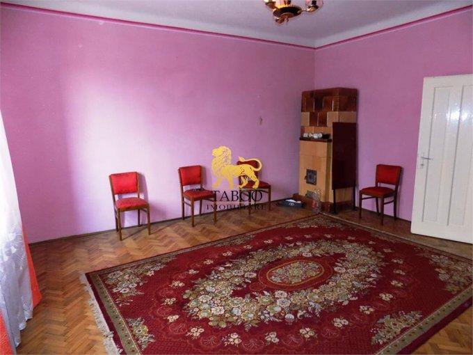 vanzare Casa Sibiu Strand cu 4 camere, 2 grupuri sanitare, avand suprafata utila 140 mp. Pret: 169.000 euro. agentie imobiliara vand Casa.