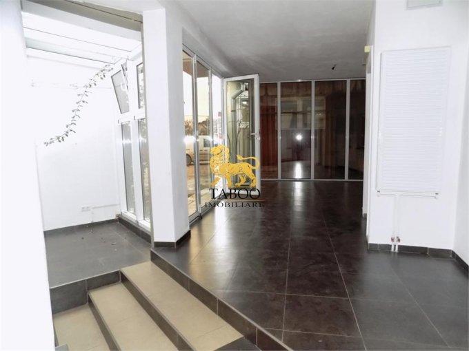inchiriere Casa Sibiu cu 4 camere, 2 grupuri sanitare, avand suprafata utila 130 mp. Pret: 500 euro. agentie imobiliara inchiriez Casa.