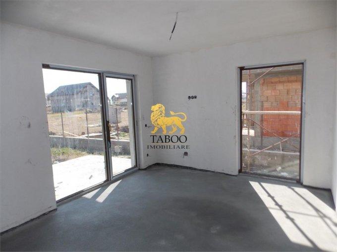 vanzare Casa Sibiu Calea Cisnadiei cu 4 camere, 2 grupuri sanitare, avand suprafata utila 120 mp. Pret: 70.000 euro. agentie imobiliara vand Casa.