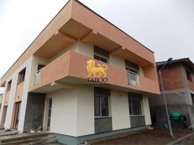Selimbar Sibiu casa cu 4 camere, 2 grupuri sanitare, cu suprafata utila de 122 mp, suprafata teren 250 mp si deschidere de 14 metri. In orasul Sibiu Selimbar.