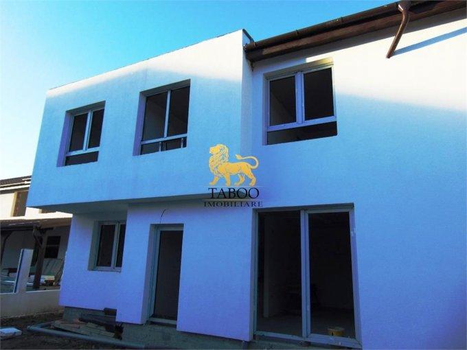Casa de vanzare in Sibiu cu 4 camere, cu 2 grupuri sanitare, suprafata utila 100 mp. Suprafata terenului 210 metri patrati, deschidere 13 metri. Pret: 62.000 euro. Casa