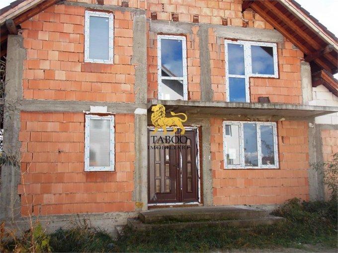 Casa de vanzare direct de la agentie imobiliara, in Sibiu, zona Selimbar, cu 82.500 euro. 2 grupuri sanitare, suprafata utila 130 mp. Are  4 camere.
