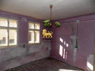 vanzare casa de la agentie imobiliara, cu 4 camere, in zona Terezian, orasul Sibiu