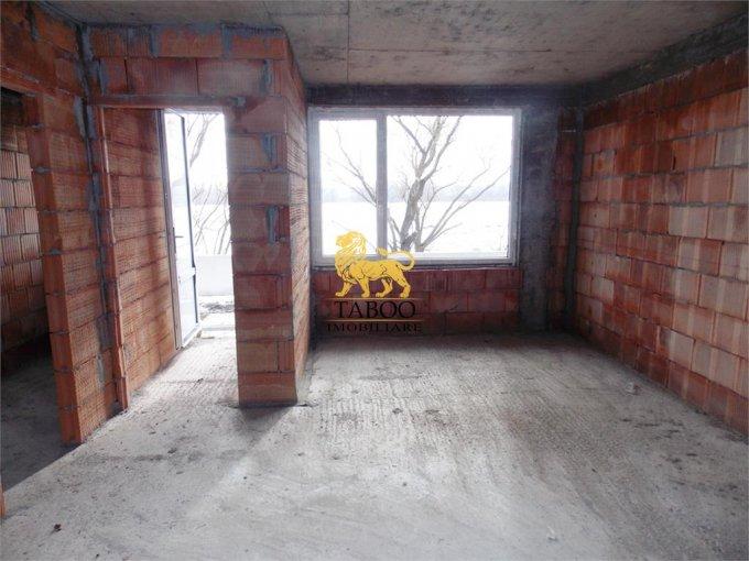 vanzare Casa Sibiu Calea Cisnadiei cu 4 camere, 2 grupuri sanitare, avand suprafata utila 70 mp. Pret: 43.500 euro. agentie imobiliara vand Casa.