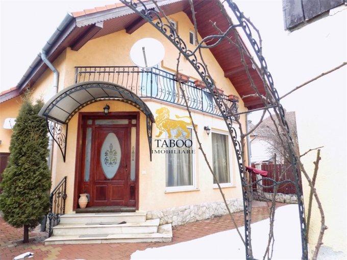Casa de inchiriat in Sibiu cu 4 camere, cu 2 grupuri sanitare, suprafata utila 165 mp. Suprafata terenului 320 metri patrati, deschidere 6 metri. Pret: 1.000 euro. Casa