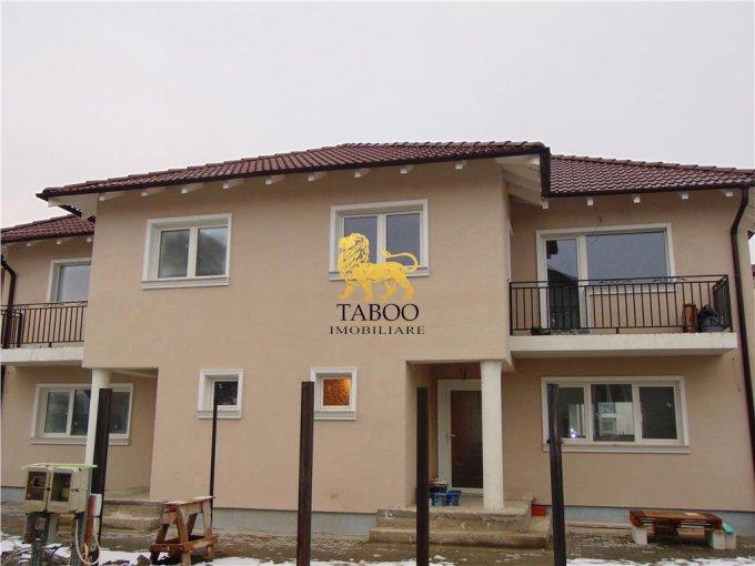 Casa de vanzare direct de la agentie imobiliara, in Sibiu, zona Selimbar, cu 90.000 euro. 2 grupuri sanitare, suprafata utila 115 mp. Are  4 camere.