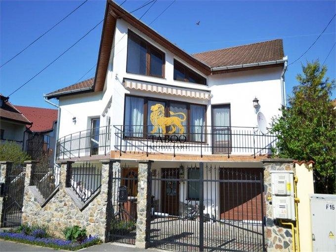 Casa de vanzare in Sibiu cu 4 camere, cu 2 grupuri sanitare, suprafata utila 290 mp. Suprafata terenului 260 metri patrati, deschidere 8 metri. Pret: 215.000 euro. Casa