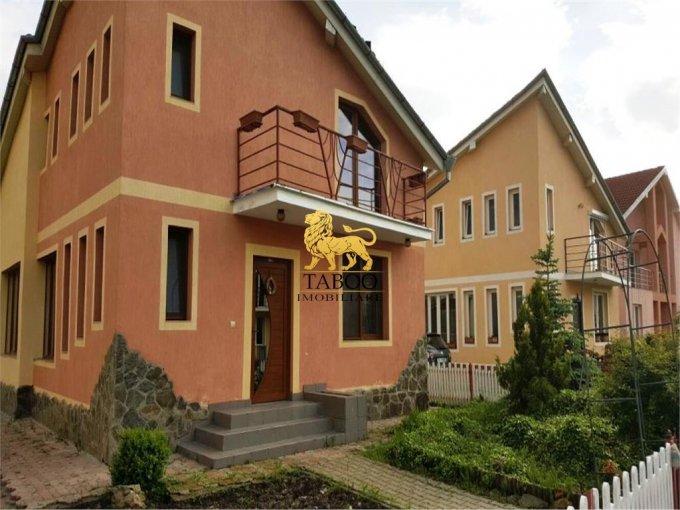 Casa de vanzare in Sura Mica cu 4 camere, cu 2 grupuri sanitare, suprafata utila 112 mp. Suprafata terenului 495 metri patrati, deschidere 14 metri. Pret: 95.000 euro. Casa