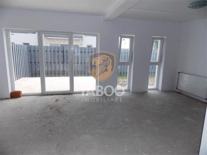Casa de vanzare direct de la agentie imobiliara, in Sibiu, zona Calea Cisnadiei, cu 79.000 euro. 2 grupuri sanitare, suprafata utila 115 mp. Are  4 camere.