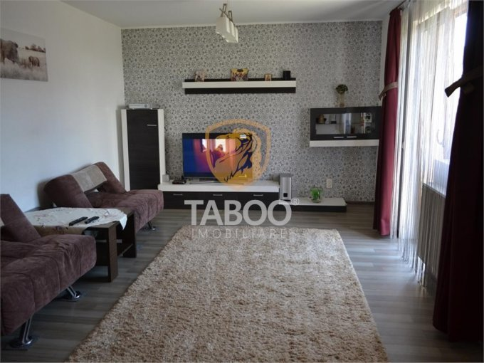 vanzare Casa Sibiu cu 4 camere, cu suprafata utila de 110 mp, 2 grupuri sanitare. 132.000 euro.. Casa vanzare Tineretului Sibiu