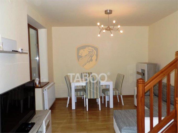 Casa de inchiriat in Sibiu cu 4 camere, cu 2 grupuri sanitare, suprafata utila 120 mp. Suprafata terenului 160 metri patrati, deschidere 6 metri. Pret: 700 euro. Casa