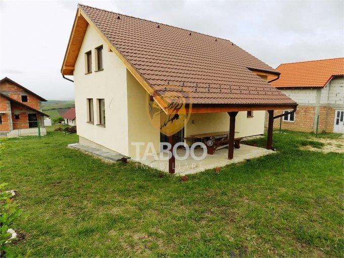 Casa de vanzare direct de la agentie imobiliara, in Sura Mare, cu 64.500 euro. 2 grupuri sanitare, suprafata utila 115 mp. Are  4 camere.