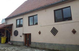 Casa de vanzare cu 4 camere, Cristian Sibiu