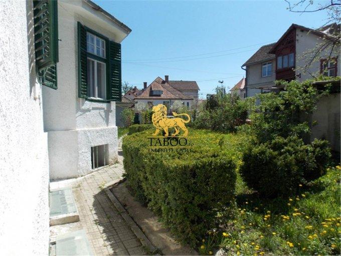 Casa de vanzare direct de la agentie imobiliara, in Sibiu, zona Stefan cel Mare, cu 197.000 euro. 2 grupuri sanitare, suprafata utila 150 mp. Are  5 camere.