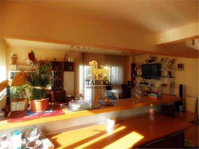 vanzare Casa Sibiu cu 5 camere, cu suprafata utila de 160 mp, 3 grupuri sanitare. 91.000 euro.. Casa vanzare Strand Sibiu
