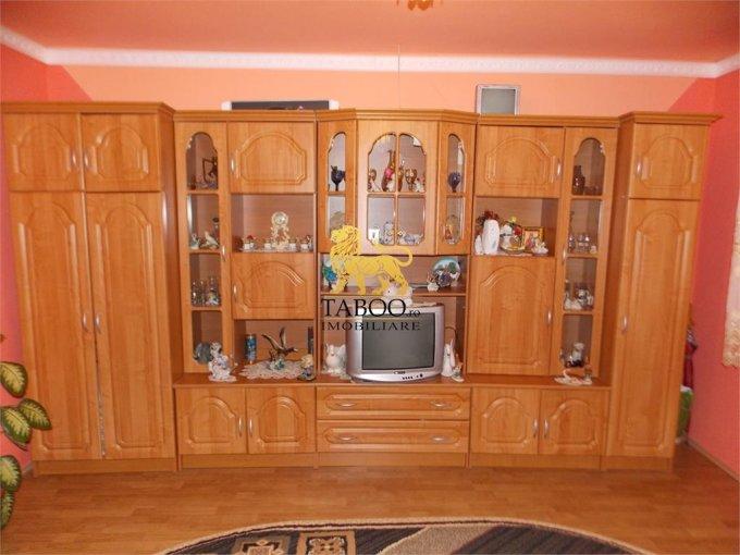 Casa de vanzare direct de la agentie imobiliara, in Sibiu, zona Gusterita, cu 109.000 euro. 1 grup sanitar, suprafata utila 1000 mp. Are  5 camere.