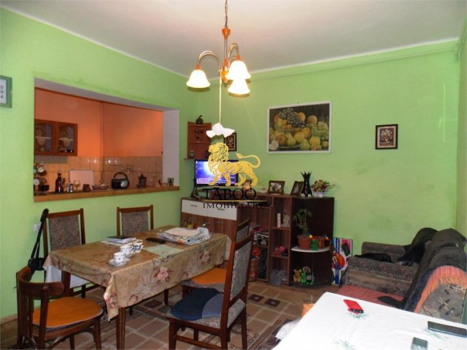 vanzare Casa Sibiu cu 5 camere, cu suprafata utila de 152 mp, 1 grup sanitar. 85.000 euro.. Casa vanzare Sibiu