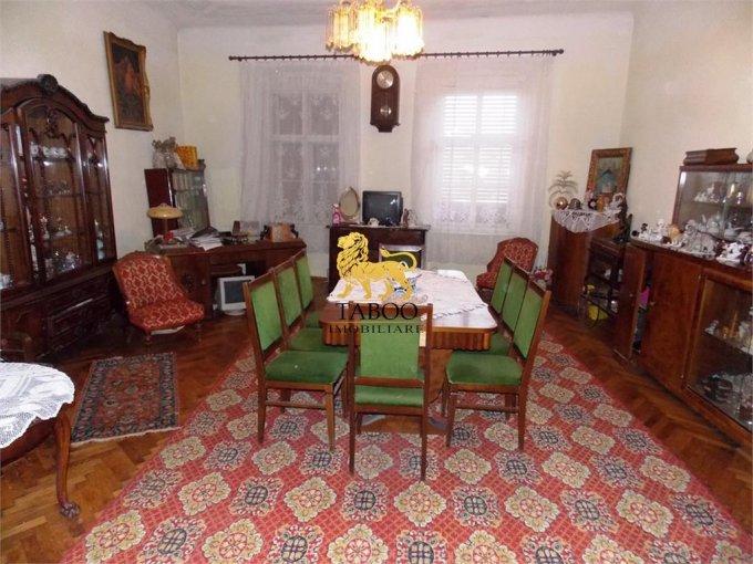 vanzare Casa Sibiu cu 5 camere, cu suprafata utila de 200 mp, 2 grupuri sanitare. 450.000 euro.. Casa vanzare Sibiu