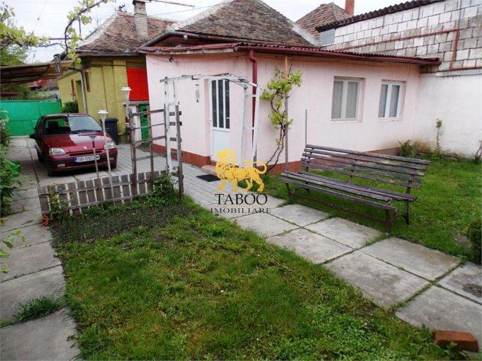 Casa de vanzare direct de la agentie imobiliara, in Sibiu, zona Terezian, cu 95.000 euro. 4 grupuri sanitare, suprafata utila 148 mp. Are  5 camere.