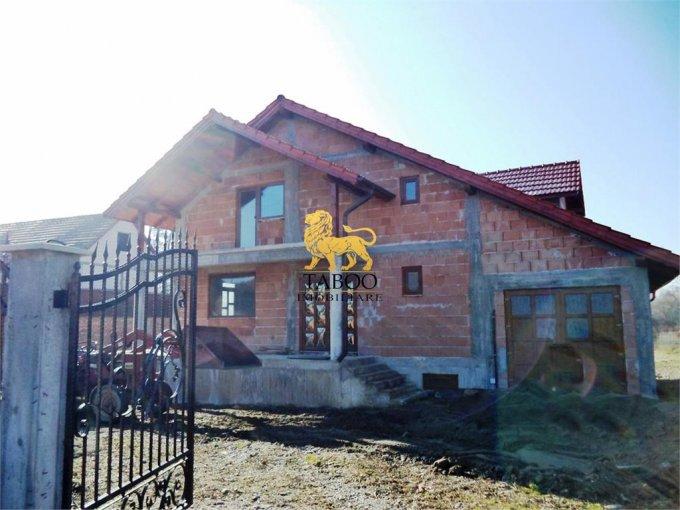 Casa de vanzare in Porumbacu de Jos cu 5 camere, cu 2 grupuri sanitare, suprafata utila 250 mp. Suprafata terenului 3000 metri patrati, deschidere 28 metri. Pret: 78.500 euro. Casa