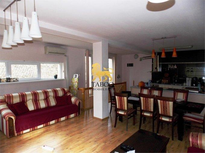 Casa de vanzare direct de la agentie imobiliara, in Sibiu, cu 185.000 euro. 2 grupuri sanitare, suprafata utila 190 mp. Are  5 camere.