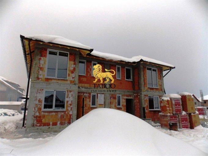 Casa de vanzare in Sibiu cu 5 camere, cu 2 grupuri sanitare, suprafata utila 125 mp. Suprafata terenului 240 metri patrati, deschidere 10 metri. Pret: 85.000 euro. Casa
