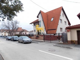 vanzare casa cu 5 camere, zona Parcul Sub Arini, orasul Sibiu, suprafata utila 360 mp