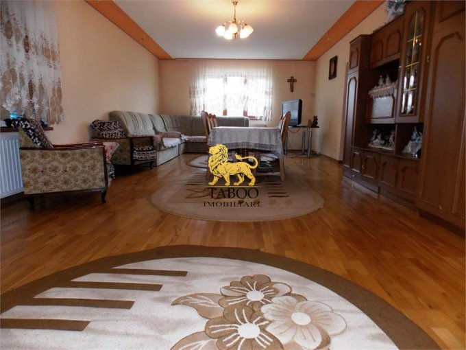 vanzare Casa Sibiu cu 5 camere, cu suprafata utila de 400 mp, 2 grupuri sanitare. 220.000 euro.. Casa vanzare Sibiu