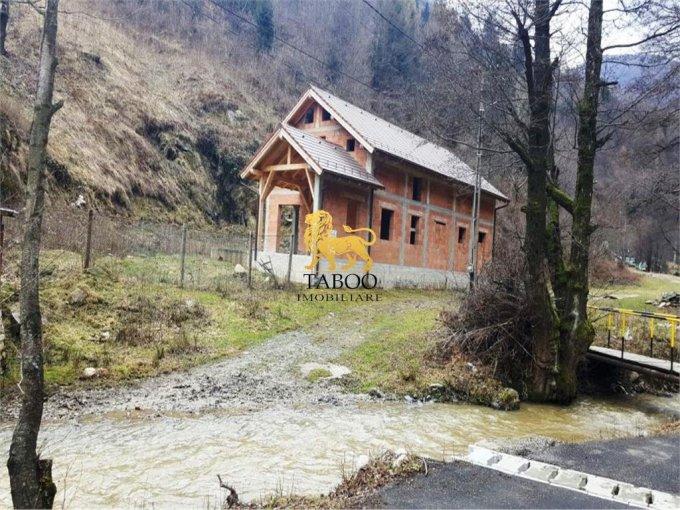 vanzare Casa Sibiel cu 5 camere, 3 grupuri sanitare, avand suprafata utila 250 mp. Pret: 60.000 euro. agentie imobiliara vand Casa.