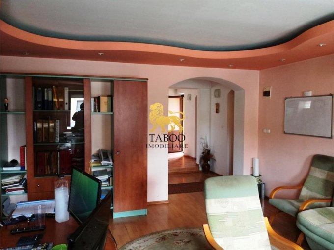 Casa de vanzare direct de la agentie imobiliara, in Sibiu, zona Turnisor, cu 135.000 euro. 2 grupuri sanitare, suprafata utila 170 mp. Are  5 camere.
