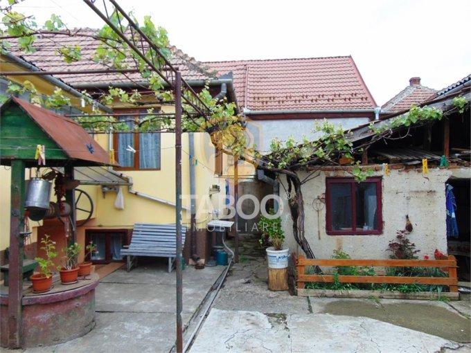 vanzare Casa Sibiu cu 5 camere, cu suprafata utila de 180 mp, 1 grup sanitar. 75.000 euro.. Casa vanzare Selimbar Sibiu