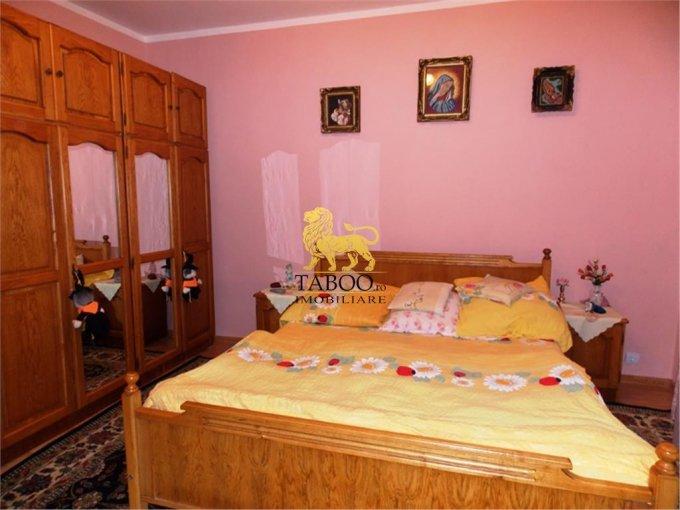 Gusterita Sibiu casa cu 6 camere, 2 grupuri sanitare, cu suprafata utila de 370 mp, suprafata teren 764 mp si deschidere de 20 metri. In orasul Sibiu Gusterita.