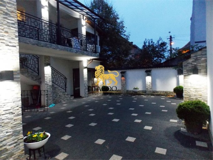 Casa de vanzare in Sibiu cu 6 camere, cu 2 grupuri sanitare, suprafata utila 205 mp. Suprafata terenului 250 metri patrati, deschidere 15 metri. Pret: 170.000 euro. Casa