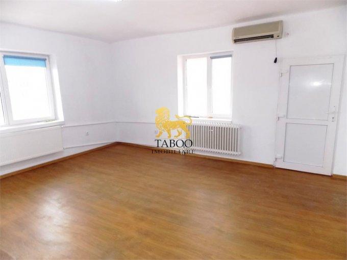 Casa de inchiriat direct de la agentie imobiliara, in Sibiu, cu 400 euro. 1 grup sanitar, suprafata utila 150 mp. Are  6 camere.