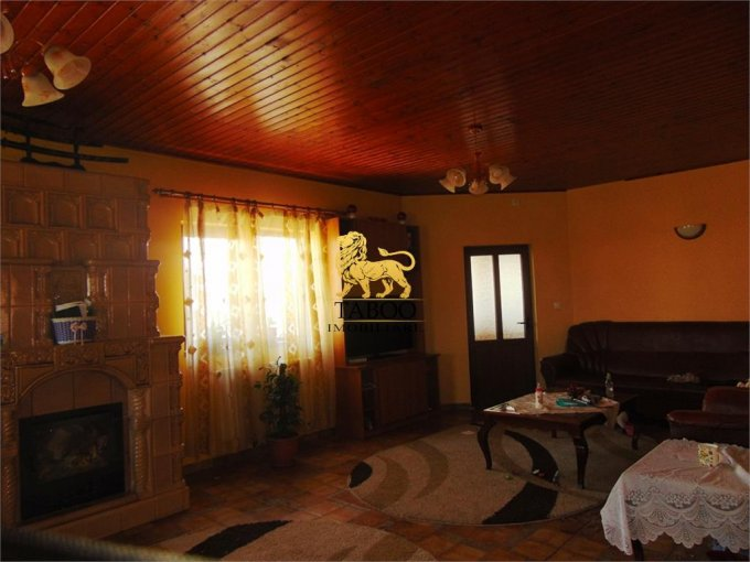 inchiriere Casa Sibiu cu 6 camere, cu suprafata utila de 160 mp, 2 grupuri sanitare. 750 euro.. Casa inchiriere Selimbar Sibiu