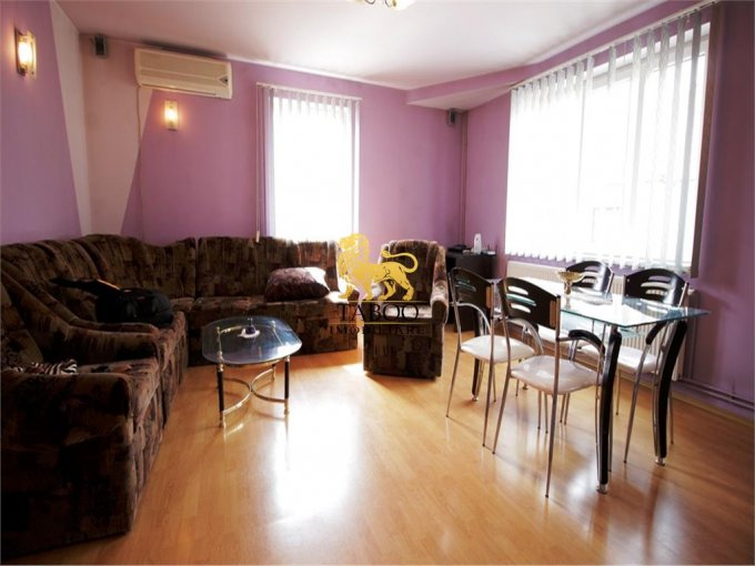 Lazaret Sibiu casa cu 6 camere, 4 grupuri sanitare, cu suprafata utila de 240 mp, suprafata teren 490 mp si deschidere de 13 metri. In orasul Sibiu Lazaret.